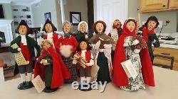 Byers Choice Christmas Carolers Williamsburg Lot of 10 Plus 1 Street Light