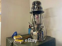 Kerosene lantern OPTIMUS 930 from Swedish Army- unused. With storage box