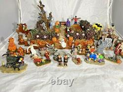 Lemax Lot Spooky Town Ghoul's Night Out Lighted Spooky Halloween Kids 29 Figures