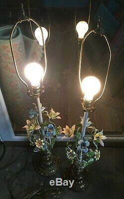 Set of 2 Vintage Italian Tole Metal Floral Table Lamp Painted Flowers both work