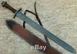 Superb Custom Handmade 30.0 Damascus Steel Hunting Sword with Sheath