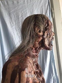 Vintage Halloween Gag Studios Prop Life Size Bloody Zombie Groundbreaker Hair BX