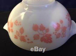 Vintage PINK Pyrex Mixing Bowl Set. RARE Gooseberry Design Cinderella Pour Dsgn