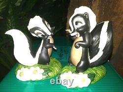 Wdcc Flower, Miss Skunk Disney Bambi Figurines, Knocked For Loop, Walking On Air